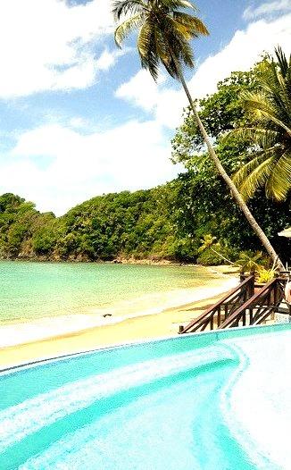 Blue Waters Inn pool at Batteaux Bay / Tobago Island