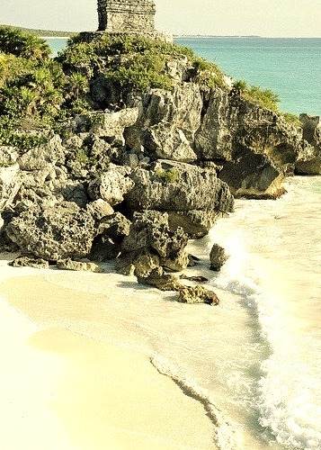 Ruins of the Mayan settlement of Tulum, Riviera Maya / Mexico